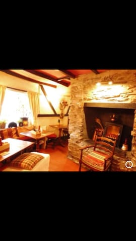The Swan Inn -3T Bedroom Cosy Family run Freehouse