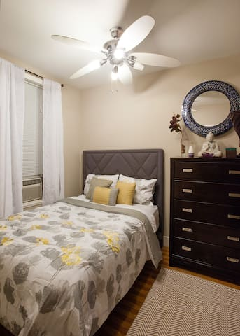 Guest Room w/ Full Size Bed