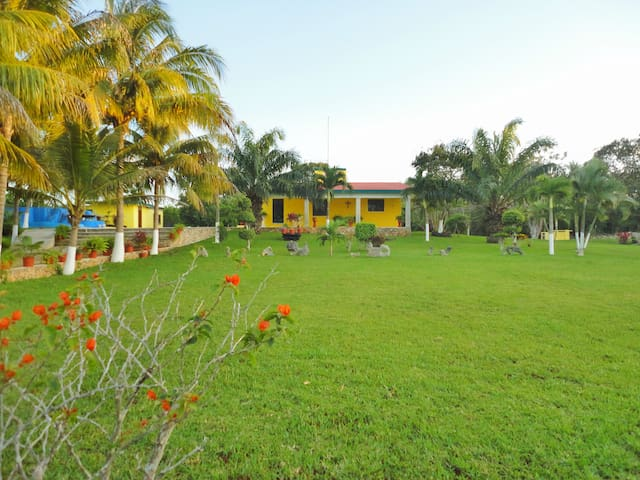 Beautiful & Quiet Mexican Villa - Xcucul Sur