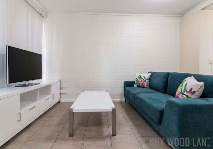 9/92 CBD - Foxtel and Wifi Included - Mackay - Apartment
