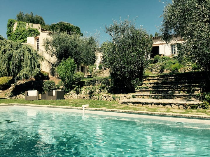 Mougins villa with view a Mougins Pool Tenniscourt