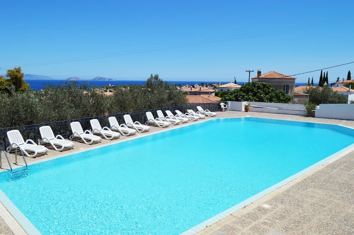 Beautiful island house with magic view in Spetses