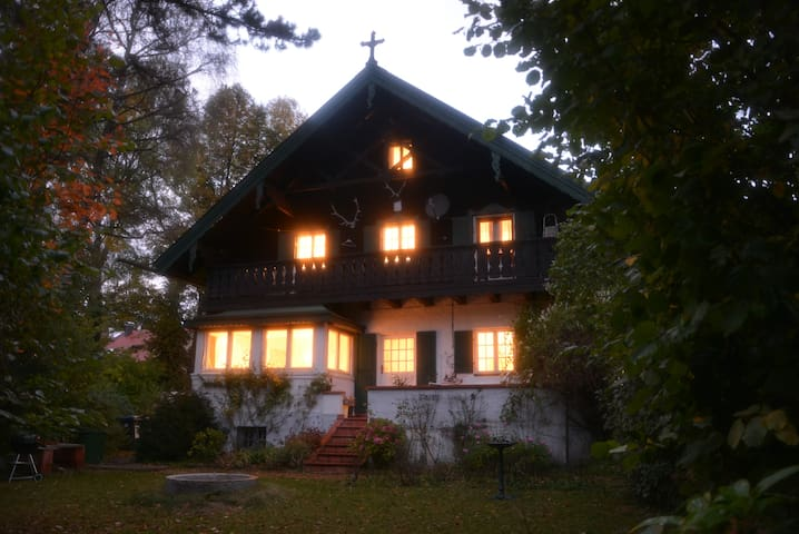 Large room for 1-2 persons Grand Chalet Murnau