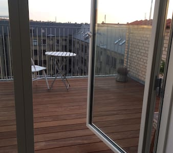 114 sqm Penthouse with private roof top terrace - Pis