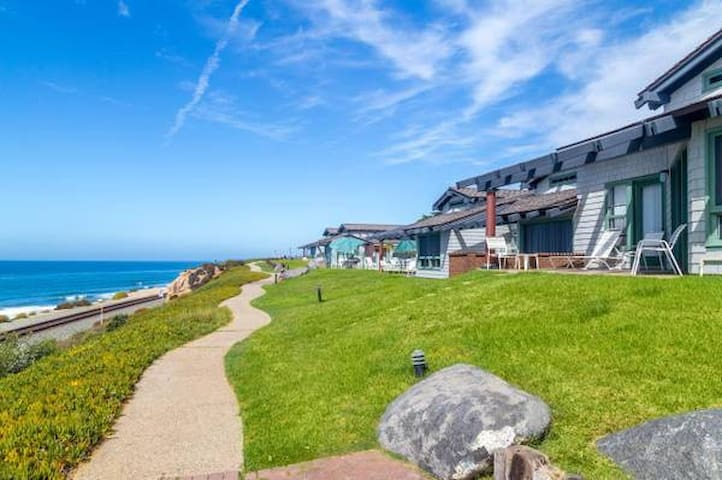 1 Bedroom Ocean Front in Del Mar