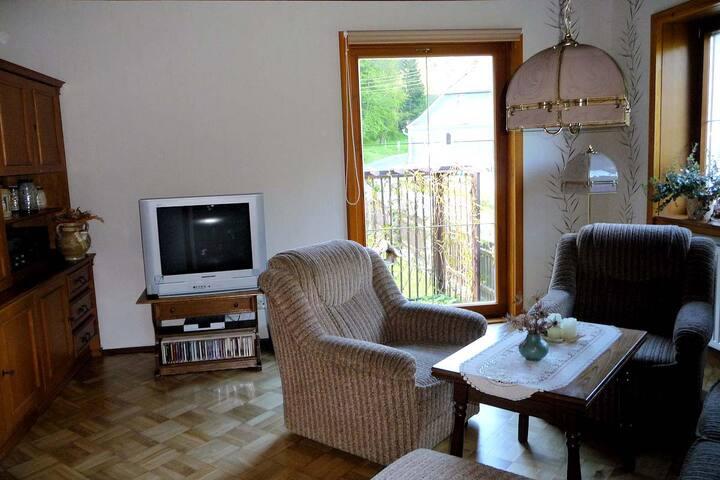 Hammerfinken-Nest (Wurzbach), Ferienwohnung mit drei Schlafzimmern und großer Badewanne