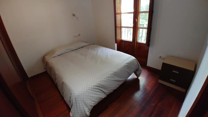 Room with balcony at Barrio de San Pedro