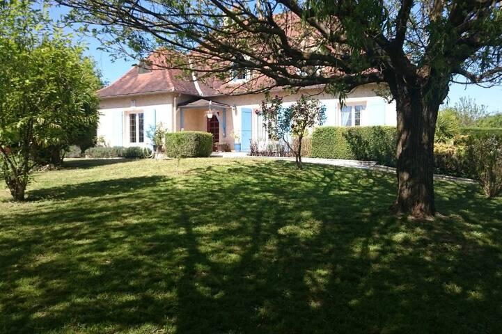 LA MONTEGUNE  Périgourdine de Charme à Lauzun - Saint-Colomb-de-Lauzun - Villa