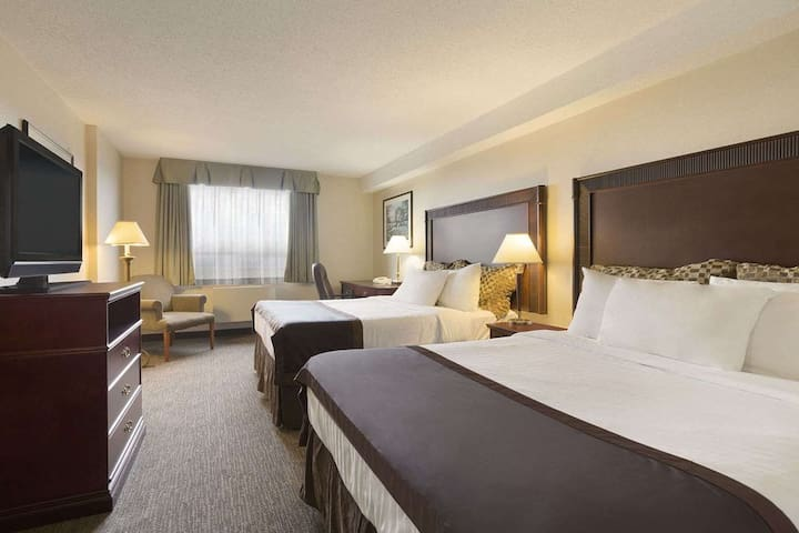 (YVR2Q1) 2beds Ideally located YVR Hotel guestroom