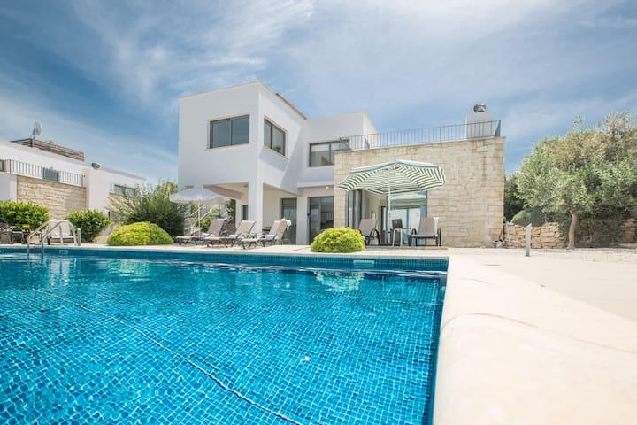 Cyprus In The Sun Esprit Villa 26