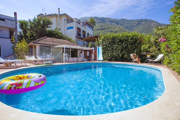 AMORE RENTALS - Villa Panorama with Swimming Pool