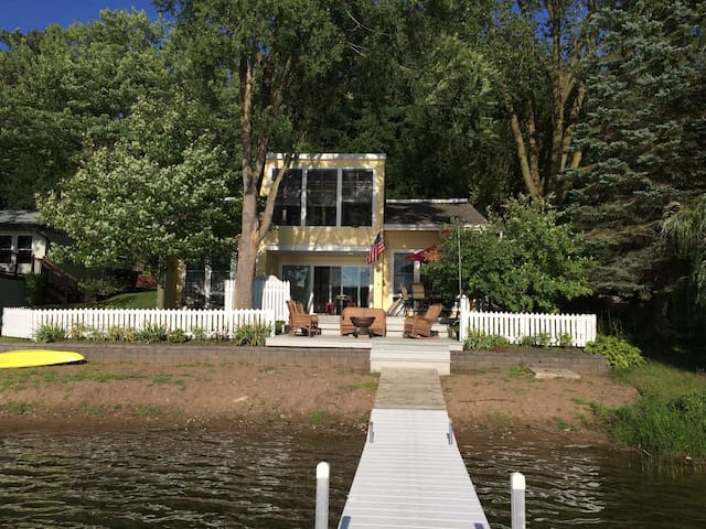 Lake Home with Cottage Charm 3 Bdrm Stillwater MN