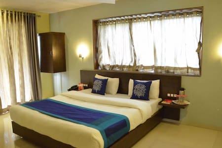 Luxurious room in Mahabaleshwar - Ortak mülk