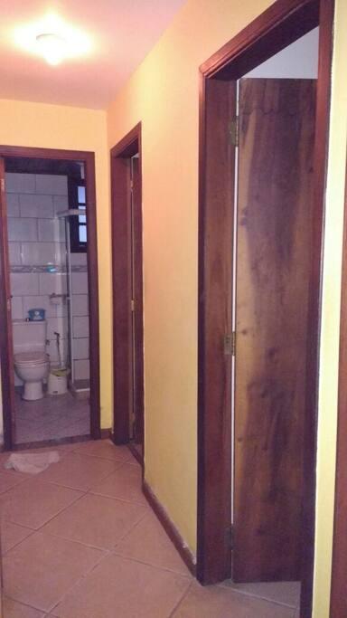Banheiro ao lado do quarto