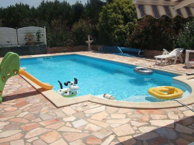 Belle maison avec piscine au calme - Saint-Martin-de-Hinx - Haus