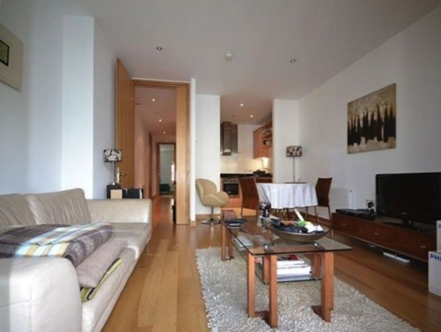 Private double bedroom in luxury apartment in ifsc flats for Appart hotel dublin