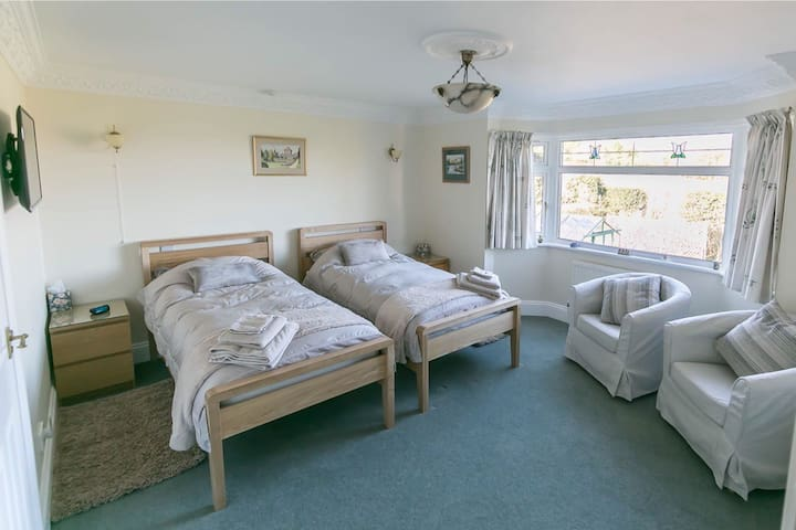 2 Single Beds 'Packhams' Rotherfield East Sussex