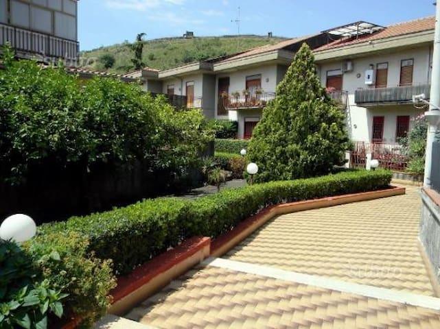 Appartamento al centro di Pedara