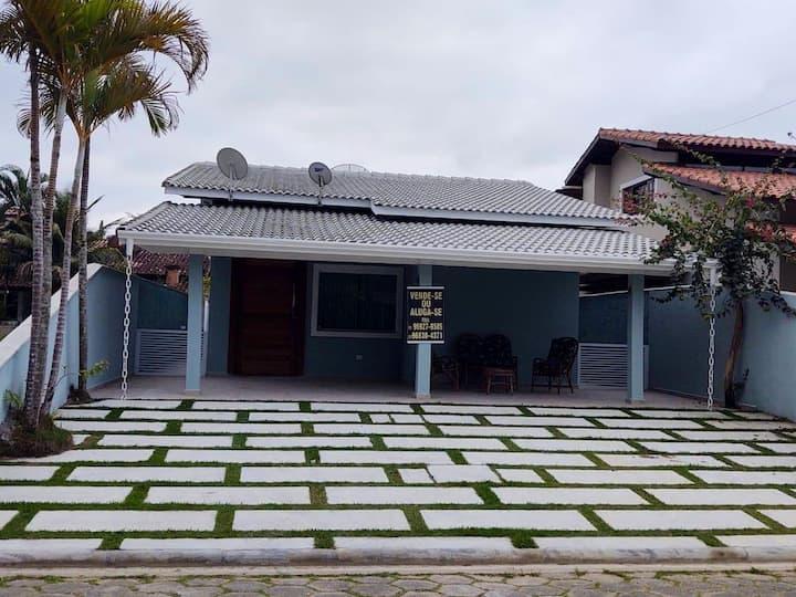 Casa em condomínio pé na areia