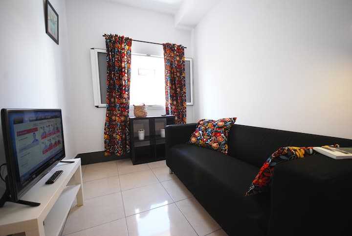 First floor apartment close to sea promenade