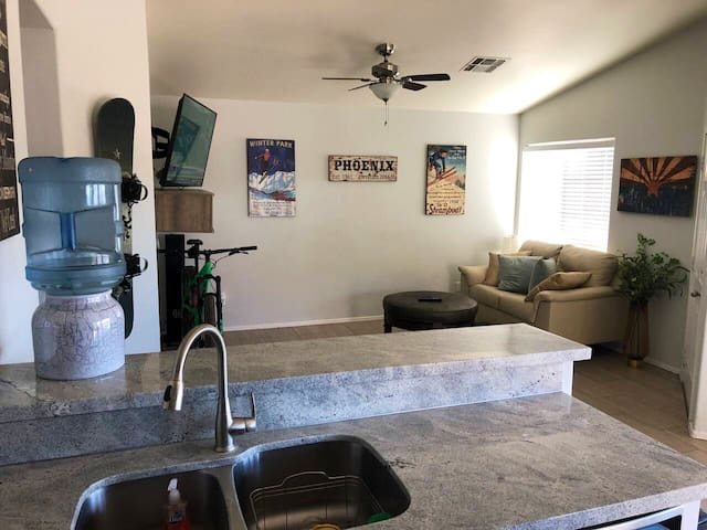 Fountain Hills modern patio home close to downtown