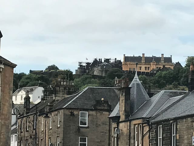 Central City Location, Close to Stirling Castle