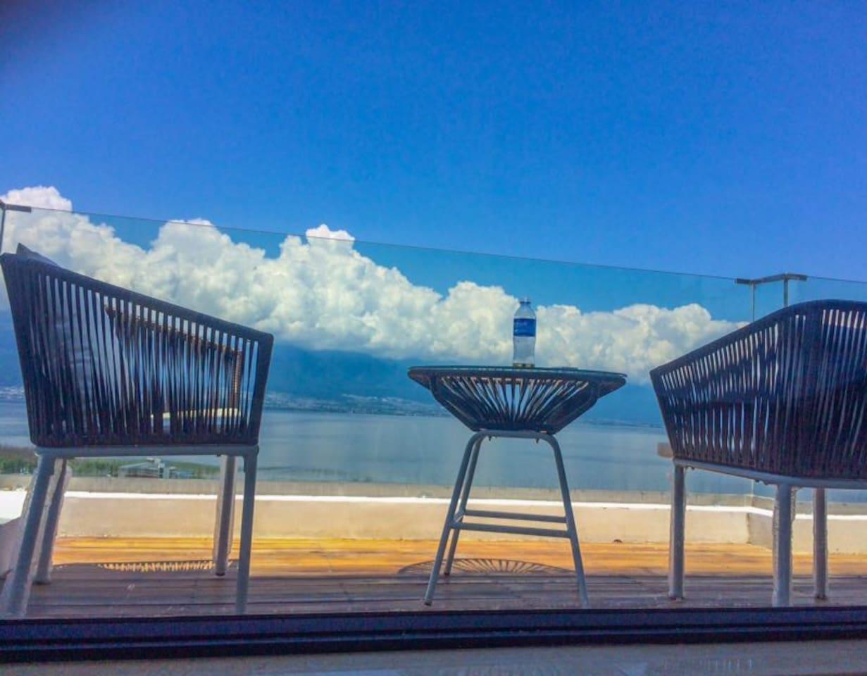 270度海景房的小阳台