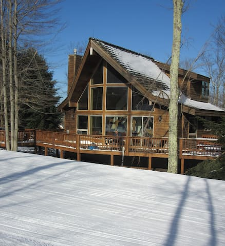 Slopeside Ski Chalet at Timberline! - Davis - Chalet