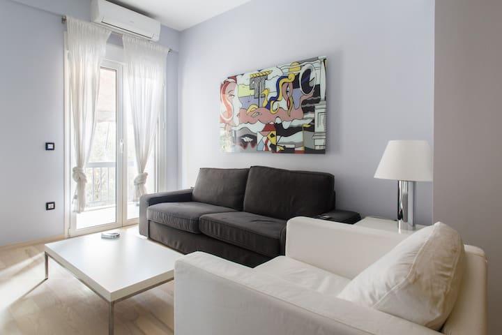 Designer central Athens apartment - Zografou