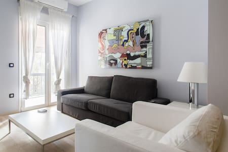 Designer central Athens apartment - Zografou