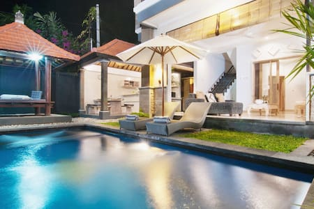 *NEW OFFER* 3 BDR  Private Villa/Pool/TOP Location