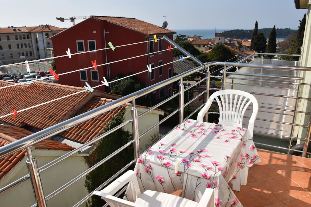 Sunshine and sea-view over Rovinj's roofs