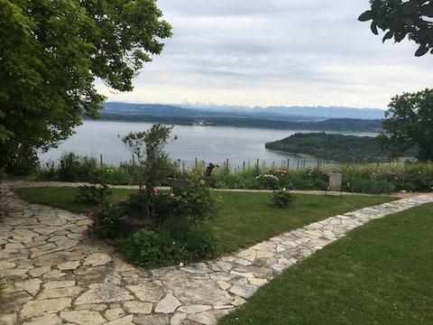Über dem Bielersee, wohnen wie einst Dürrenmatt