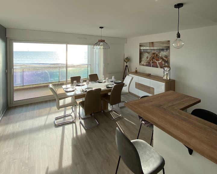 Appartement vue mer avec accès direct plage