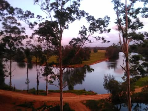 河景小屋和露營