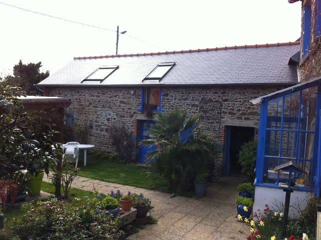 La Maison Bleue - Binic - Dům