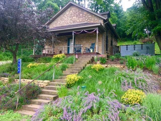 Romantic Stone Cottage Retreat