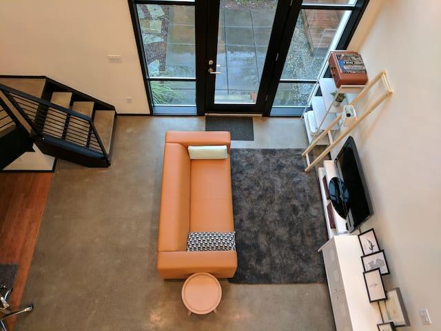 Modern luxury loft minutes from downtown & airport - Seattle - Loft