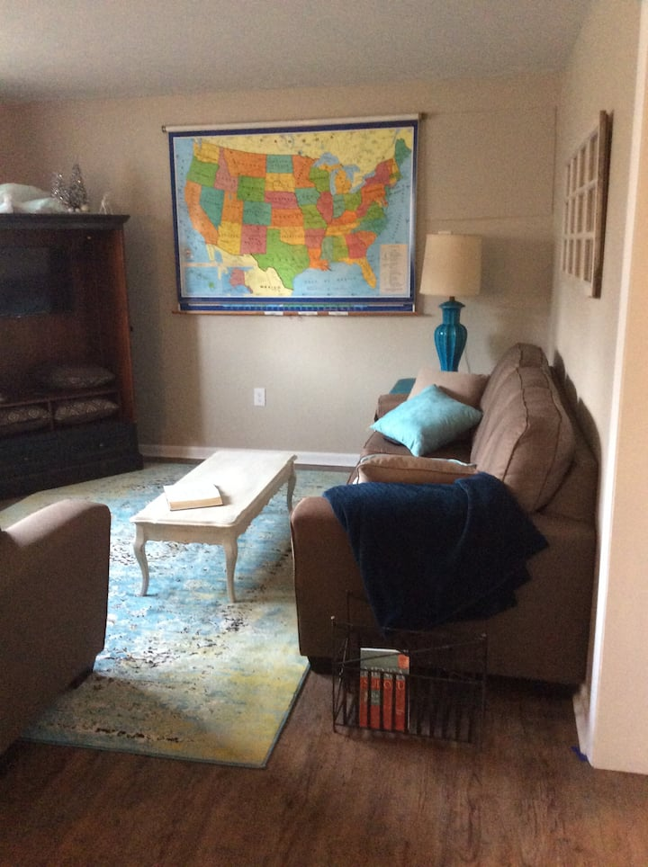 Light Filled Basement Apartment in NW Akron
