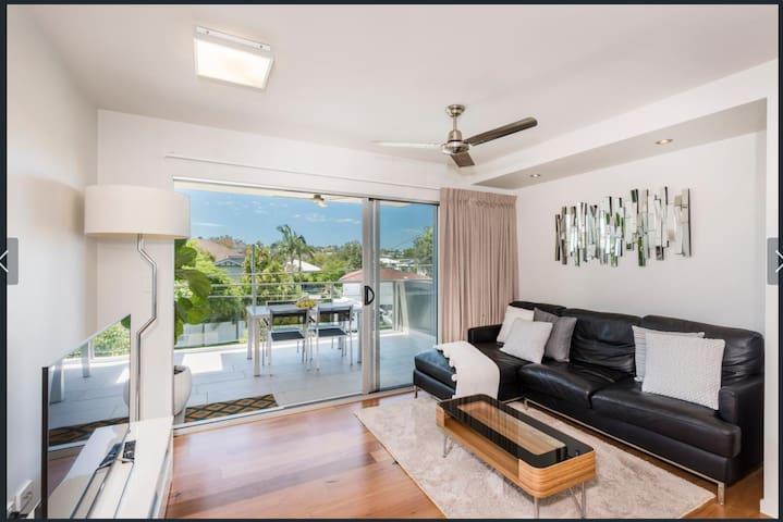 Bulimba - NEW stunning & comfortable apartment