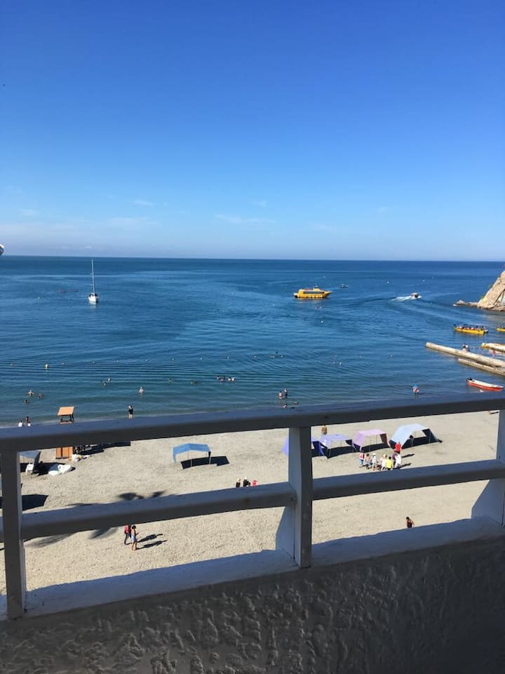Great condo-beach front Ocean view