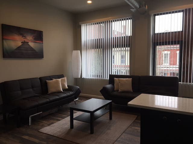 5019 Penn av #2 BRAND NEW 1 BR APARTMENT W/PARKING