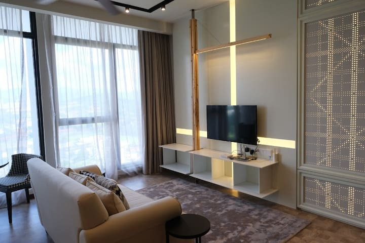 KLCC Expressionz Junior Professional Suite