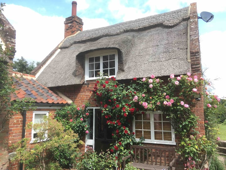 Rose Cottage - beautiful thatched property.