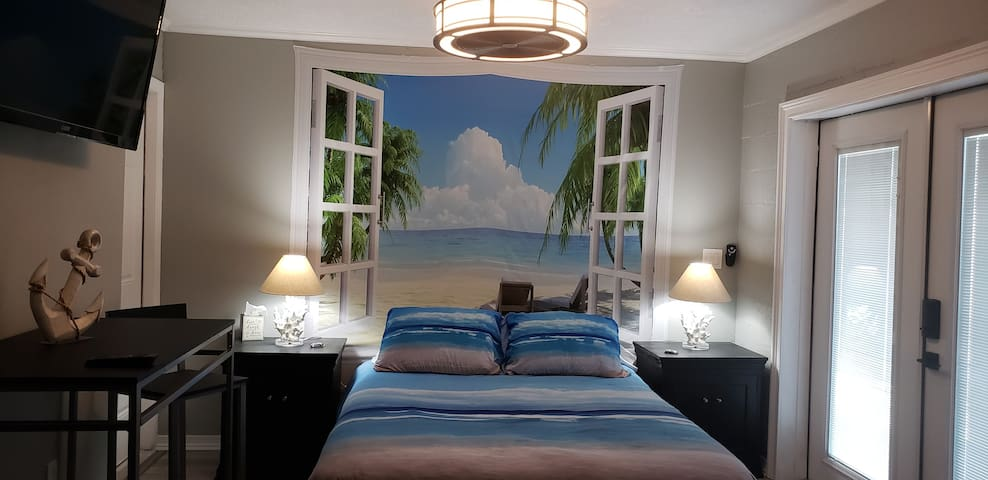 FUN AND ROMANTIC BEACH GETAWAY
