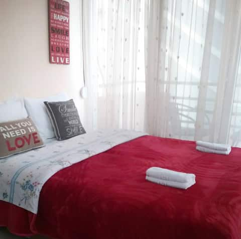 Nice & Quiet Apartment in Best Area with AirCon