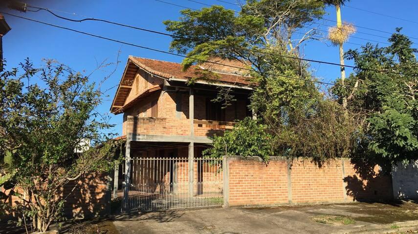 Casa a 200 metros da praia - Florianópolis - House