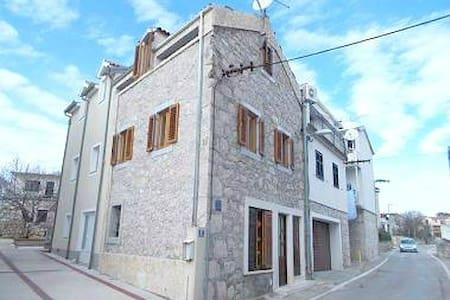 Charming 1st floor apartment, very center, seaview - Vodice
