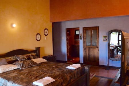 Bed and breakfast near La Antigua - Santo Tomás Milpas Altas - Bed & Breakfast