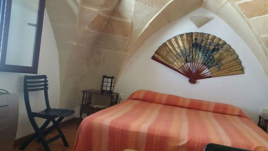 accogliente stanza in riva al mare - Roca Vecchia - Lejlighed